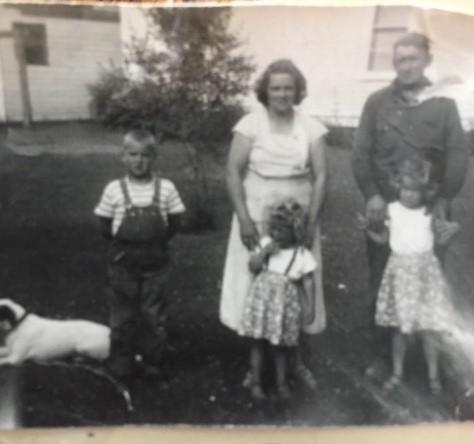 Ardell, Harriet, LuElla, Bennie and Betty Simonson